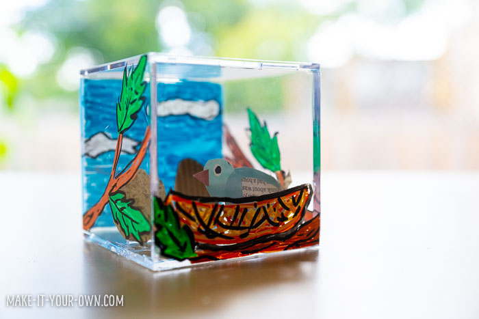 3D Diorama:  Use a baseball cube to explore background, foreground and middle ground to create a multi-layered diorama!  This unique art or craft project could be used with science or social studies and could work for various themes!  #diorama #craft #art #craftforkids #artforkids #backgroundforegroundmidddleground #displayproject